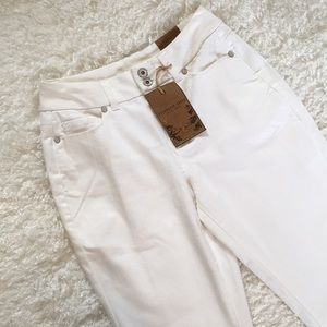 NWT Coldwater Creek 4P white jeans